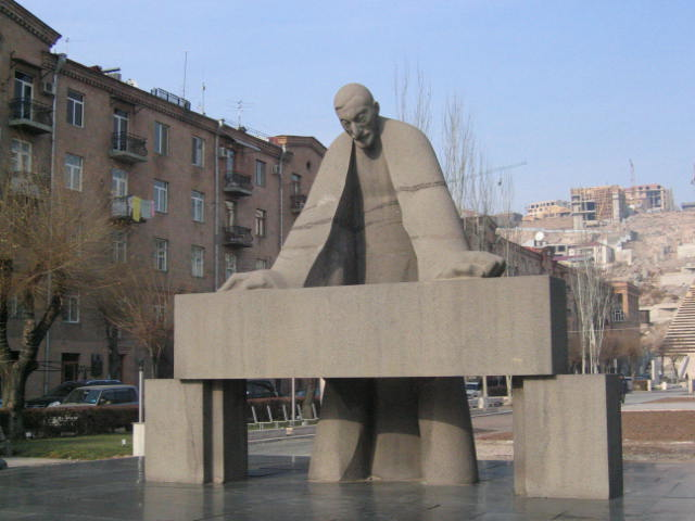 Monument to Alexander Tamanyan