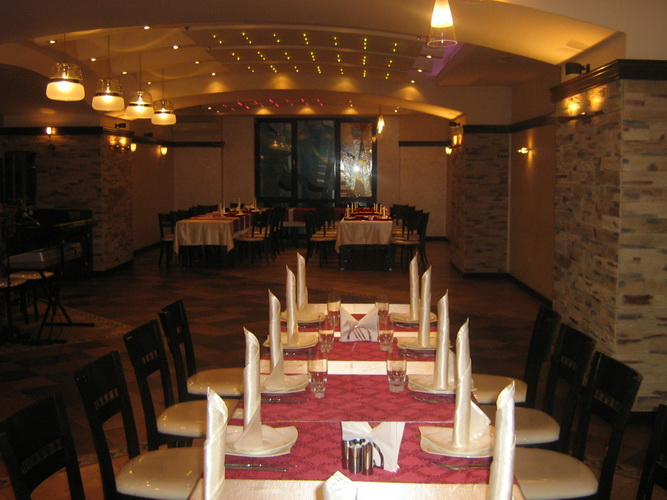 Arvasar restaurant yerevan national cuisine armenian for Armenian national cuisine